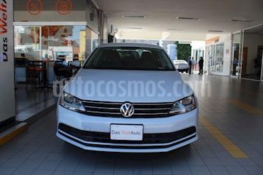 Volkswagen Jetta Trendline usado (2018) color Plata precio $215,532