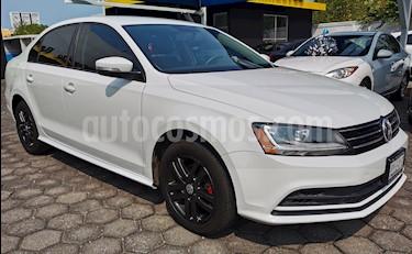 Foto venta Auto usado Volkswagen Jetta Trendline (2017) color Blanco precio $215,000