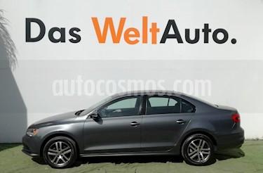 Foto venta Auto Seminuevo Volkswagen Jetta Trendline (2015) color Gris Platino precio $199,000