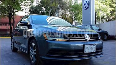 Foto venta Auto usado Volkswagen Jetta Trendline (2017) color Gris Platino precio $255,000