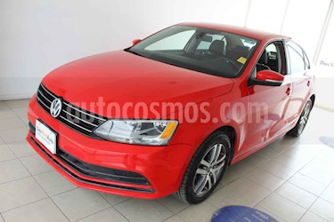 Foto venta Auto usado Volkswagen Jetta Trendline (2015) color Rojo precio $200,000
