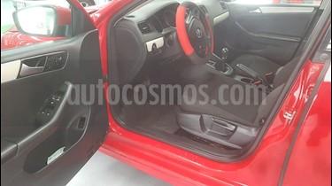 Foto Volkswagen Jetta Trendline usado (2015) color Rojo Tornado precio $199,000