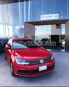 Foto venta Auto usado Volkswagen Jetta Trendline (2018) color Rojo Tornado precio $240,000