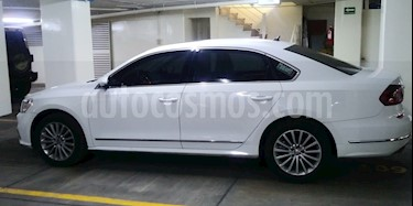 Volkswagen Passat 1.8L Turbo Tiptronic Piel usado (2017) color Blanco precio $330,000
