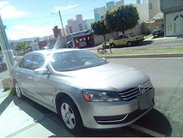 Foto venta Auto usado Volkswagen Passat 2.0 Lujo (2012) color Gris Plata  precio $158,000