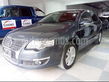 Foto venta Auto usado Volkswagen Passat 2.0 TSi R-Line DSG (2011) color Gris Oscuro precio $430.000