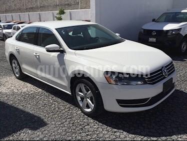 Foto venta Auto Seminuevo Volkswagen Passat 2.5 SPORTLINE TIPTRONIC 4P (2015) color Blanco Candy precio $229,500