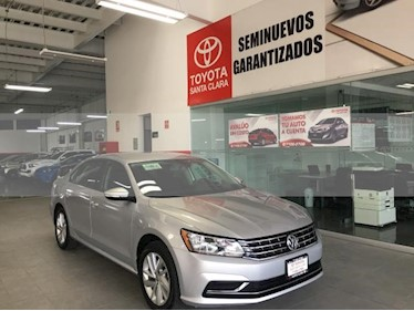 Foto venta Auto usado Volkswagen Passat 4p Comfortline L5/2.5 Aut (2018) color Plata precio $269,000