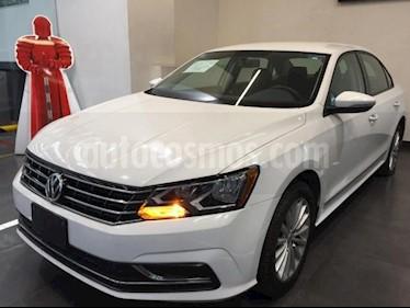 Volkswagen Passat 4p Comfortline L5/2.5 Aut usado (2017) color Blanco precio $229,500