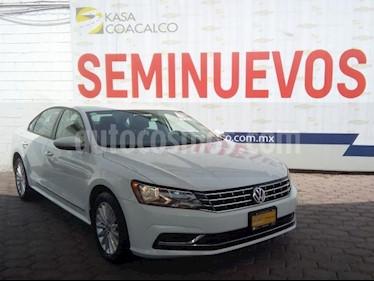 Volkswagen Passat 4p Comfortline L5/2.5 Aut usado (2017) color Blanco precio $255,000