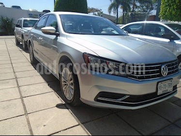 Foto Volkswagen Passat COMFORT MOTOR 2.52L TRANS 6VEL AUT usado (2017) color Plata precio $275,000
