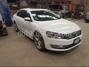 Volkswagen Passat DSG V6  usado (2014) color Blanco precio $225,000