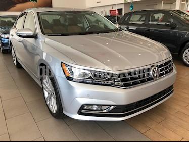 Foto venta Auto usado Volkswagen Passat DSG V6 (2018) color Plata precio $474,990