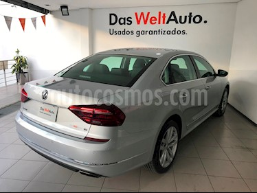 Foto venta Auto usado Volkswagen Passat DSG V6 (2018) color Plata Reflex precio $499,000