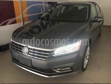 Foto Volkswagen Passat GLX VR6 Aut usado (2018) color Gris precio $446,500