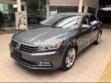 Foto venta Auto usado Volkswagen Passat GLX VR6 Aut (2017) color Gris precio $335,000