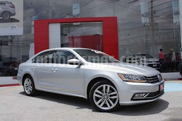 Foto Volkswagen Passat GLX VR6 Aut usado (2017) color Plata precio $359,000