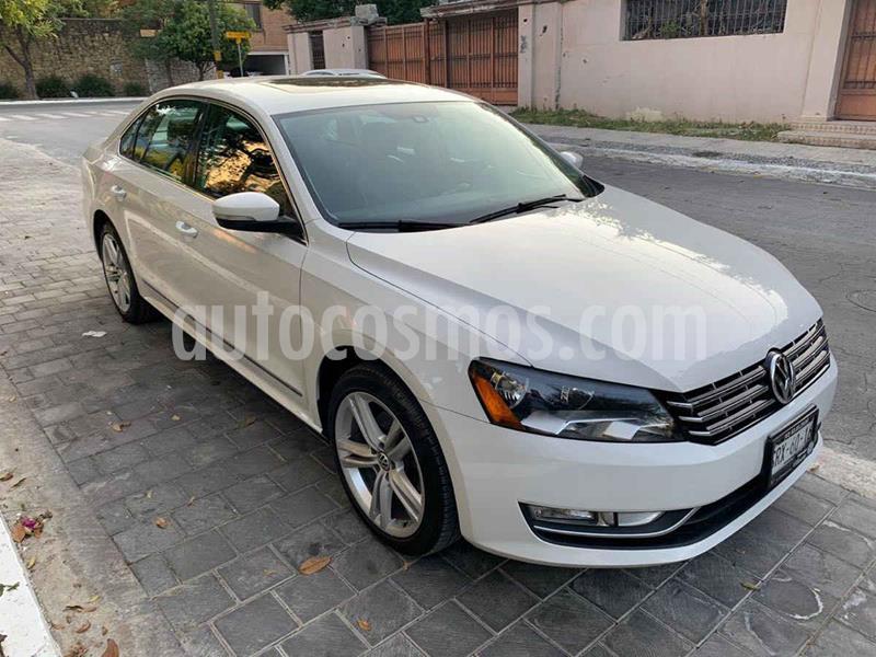 Volkswagen Passat GLX VR6 Aut usado (2014) color Blanco precio $229,900