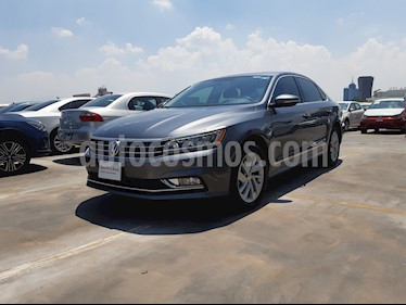 Volkswagen Passat Tiptronic Highline usado (2018) color Gris precio $399,000