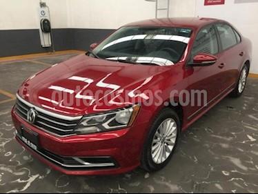 Volkswagen Passat 4p Comfortline L5/2.5 Aut usado (2017) color Rojo precio $229,500