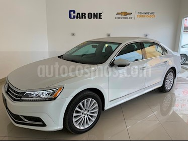 Foto Volkswagen Passat Tiptronic Sportline usado (2017) color Blanco precio $280,000