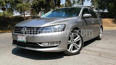 Volkswagen Passat 4P SPORTLINE 2.5L TIPTRONIC 6 CD PANTALLA PIEL RA usado (2012) color Plata precio $145,000