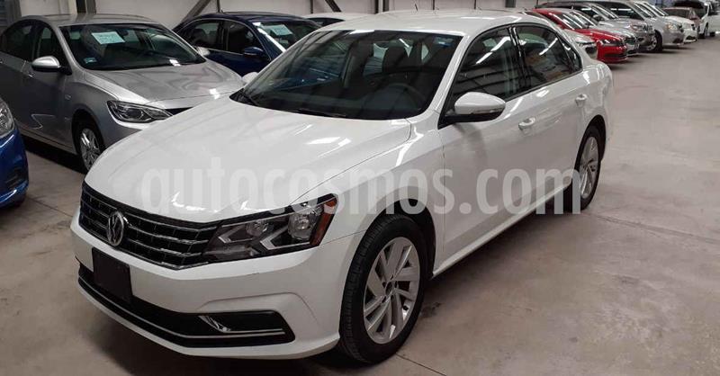 Volkswagen Passat 4p Comfortline L5/2.5 Aut usado (2018) color Blanco precio $244,900