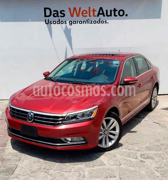 Volkswagen Passat DSG V6 usado (2017) color Rojo precio $350,000