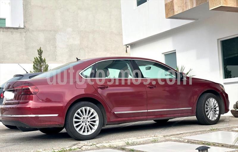 Volkswagen Passat SPORTLINE usado (2017) color Rojo precio $259,000