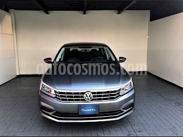 Volkswagen Passat 4p Sportline L5/2.5 Aut LED usado (2017) color Gris precio $259,000