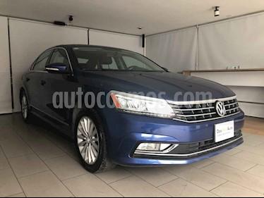 Volkswagen Passat 4p Highline L5/2.5 Aut usado (2017) color Azul precio $250,000