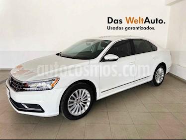 Volkswagen Passat 4p Sportline L5/2.5 Aut usado (2016) color Blanco precio $199,995