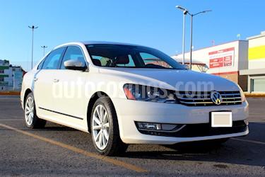 Volkswagen Passat DSG V6  usado (2013) color Blanco precio $187,000
