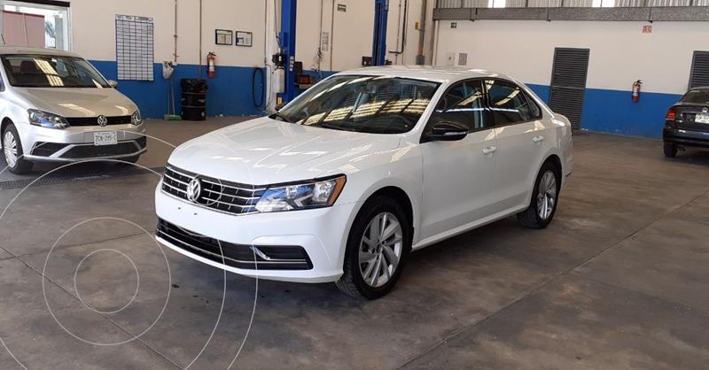 Foto Volkswagen Passat Tiptronic Comfortline usado (2018) color Blanco precio $239,900