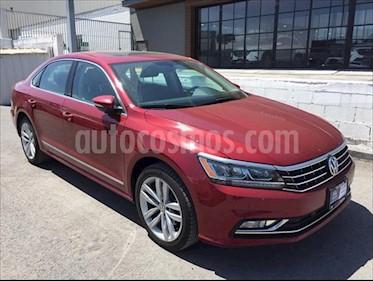 Volkswagen Passat DSG V6 usado (2018) color Rojo precio $330,000