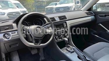 Volkswagen Passat 4P CONFORTLINE L5/2.5 AUT usado (2017) color Blanco precio $269,000