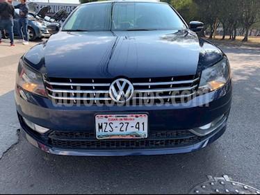Volkswagen Passat 4p VR6 V6/3.6 Aut Cam/tr usado (2015) color Azul precio $189,000