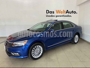 Volkswagen Passat 4p Highline L5/2.5 Aut usado (2017) color Azul precio $279,995