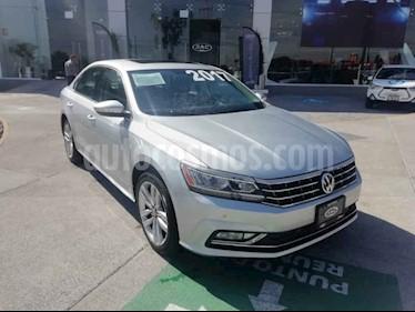 Volkswagen Passat GLX VR6 Aut usado (2017) color Plata precio $315,000