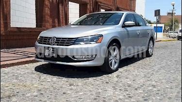 Volkswagen Passat 2.0 Lujo usado (2015) color Plata precio $210,000