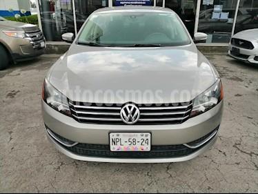 Volkswagen Passat 4P CONFORTLINE 2.5 AUT usado (2014) color Gris precio $160,000