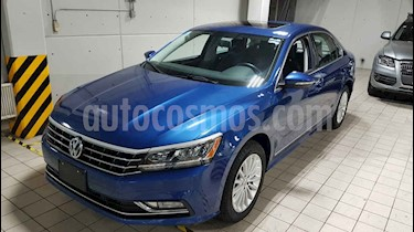 Volkswagen Passat 4p Highline L5/2.5 Aut usado (2017) color Azul precio $268,000