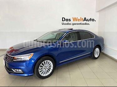 Volkswagen Passat 4p Highline L5/2.5 Aut usado (2017) color Azul precio $314,995