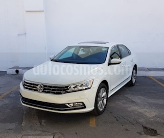 Volkswagen Passat Tiptronic Highline usado (2018) color Blanco precio $398,000