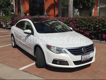 Volkswagen Passat 2.0 Lujo usado (2011) color Blanco precio $154,000
