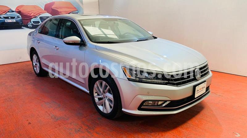 Volkswagen Passat Tiptronic Highline usado (2018) color Plata Reflex precio $321,000