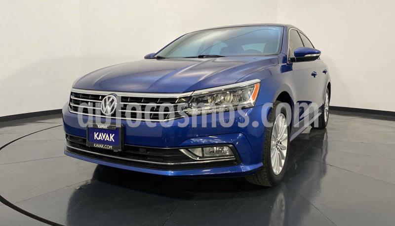 Volkswagen Passat GLX VR6 Aut usado (2016) color Azul precio $274,999