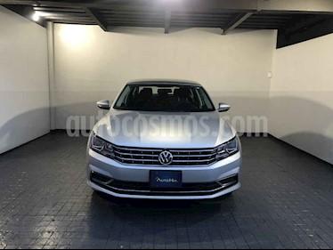 Volkswagen Passat 4p Comfortline L5/2.5 Aut usado (2018) color Plata precio $282,000