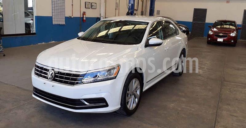 Volkswagen Passat 4p Sportline L5/2.5 Aut LED usado (2018) color Blanco precio $266,500