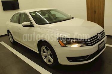 Volkswagen Passat 4p Sportline L5/2.5 Aut usado (2014) color Blanco precio $187,000